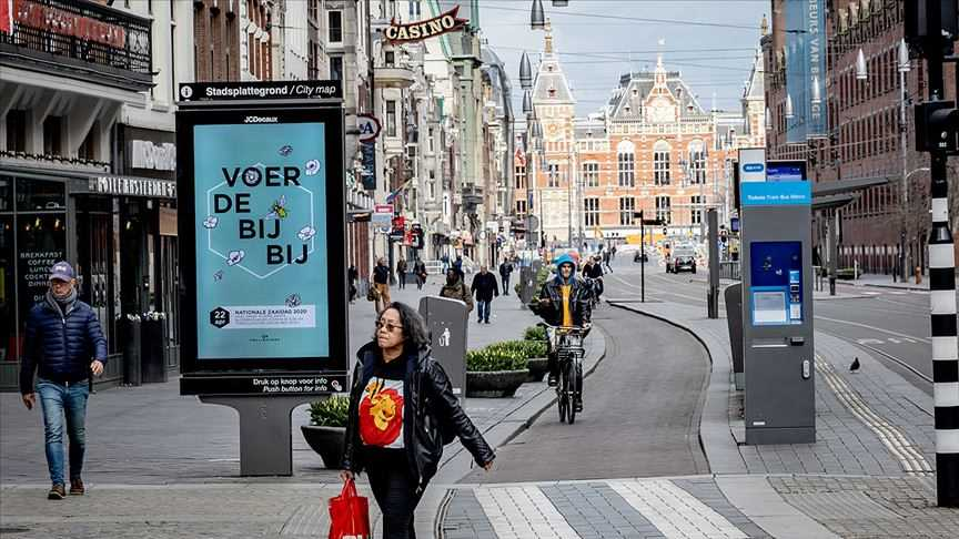 Hollanda'da Kovid-19 önlemleri yeniden sıkılaştırıldı