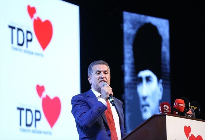 Mustafa Sarıgül, TDP İstanbul 1. Olağan Kongresi'ne katıldı