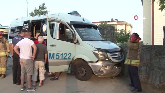 Pendik'te minibüs şoförü silahlı saldırıya uğradı