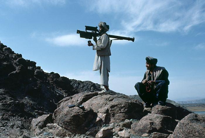 Afganistan'ın doğusunda 3 vilayet merkezi Taliban kontrolüne geçti
