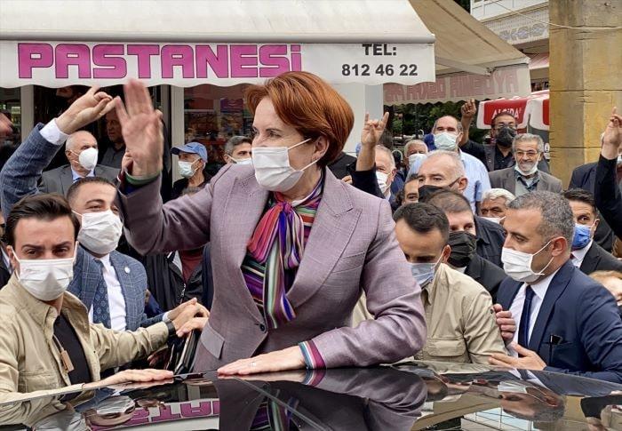Akşener, Kırşehir'de esnaf ziyareti yaptı