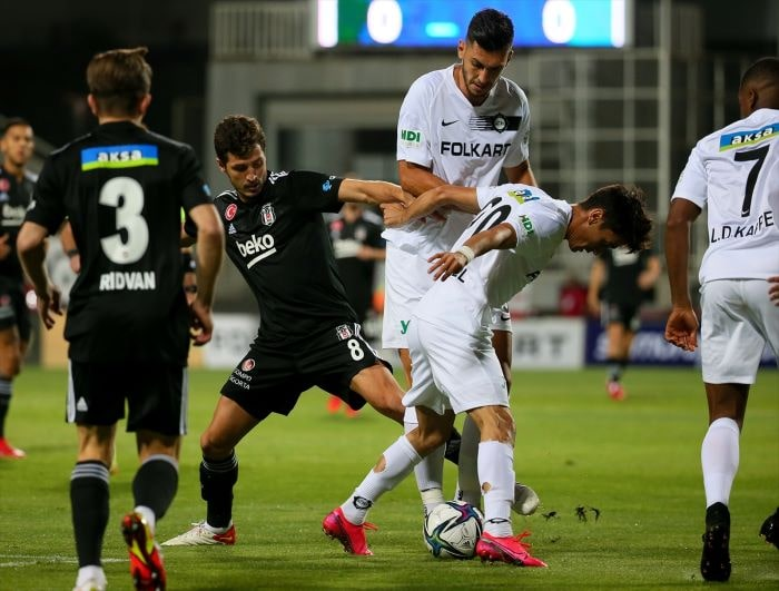 Beşiktaş, Altay'a 2-1 mağlup oldu