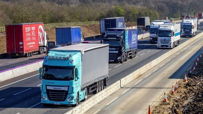 İngiltere'de tır ve kamyon şoförü sıkıntısı