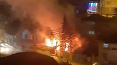 Karabük'te çıkan yangında iki katlı ev yandı
