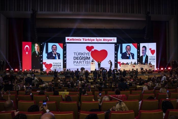 Sarıgül, partisinin 1. Olağan Kurultayı'nda konuştu