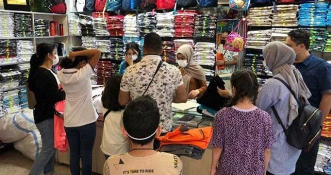 Vatandaşların okul alışveriş telaşı sürüyor