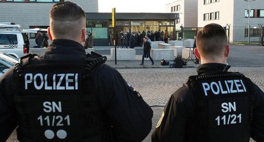 Alman polisi cezaevindeki aşırı sağcı teröriste aşk mektupları göndermiş