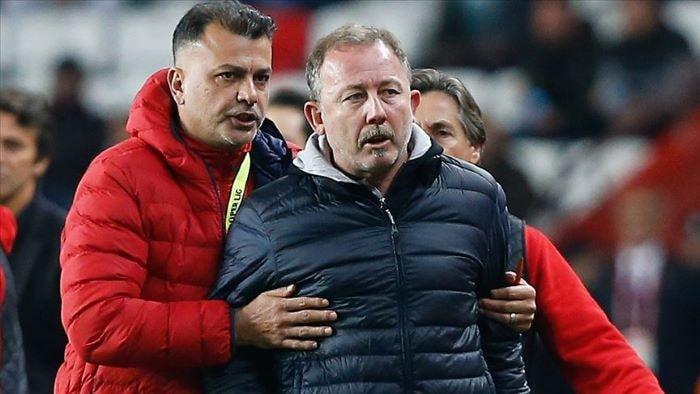 Beşiktaş Teknik Direktörü Sergen Yalçın'a bir maç ceza