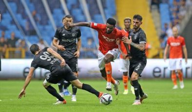 Malatyaspor, deplasmanda Adana Demirspor'u 2-0 yendi