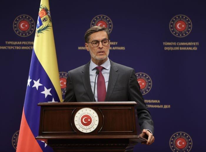 Venezuela'daki müzakere sürecine Türkiye'de katılacak