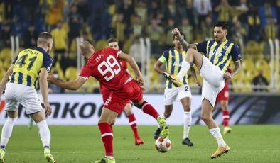 Fenerbahçe, Royal Antwerp : 2-2