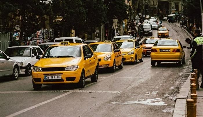 """İstanbul'daki taksi sorunu """"Rant Kavgası"""" mı?"""